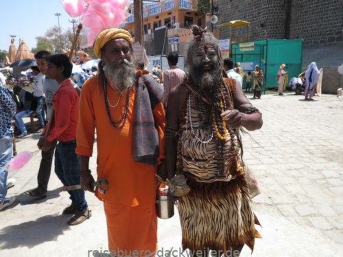 Pilger zum heiligen fest indien